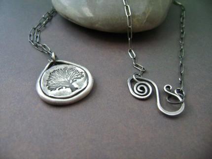 Winter oak necklace
